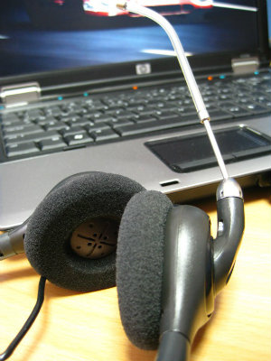 headset-and-laptop